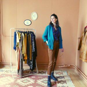 Vintage petrol jasje paarse blouse bruine broek